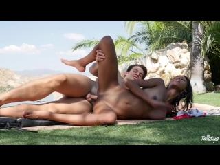 Nia Nacci [Porn_Fuck_Milf_Mom_Ass_Tits_Blowjob_Anal_Black_Blonde_BRAZZERS]