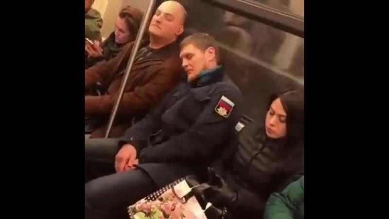 Как организовать место в общественном транспорте