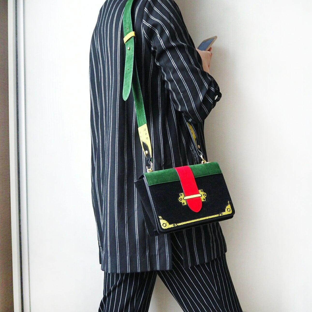 Об изумительного дизайна сумочке
