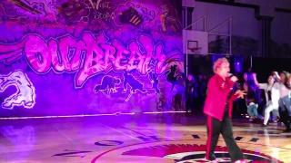 60 year old kills hip-hop routine!