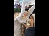 Ариана Гранде и Кэти Перри на Met Gala (7 мая 2018)