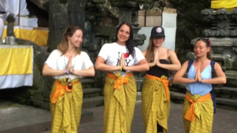 Танец. Храм летучих мышей Pura Goa Lawah