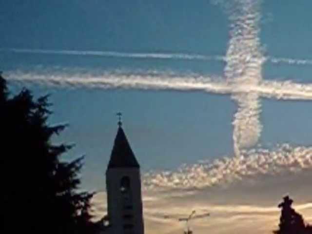 Miracle at Medjugorje Apparizione della Madonna Cross in Sky