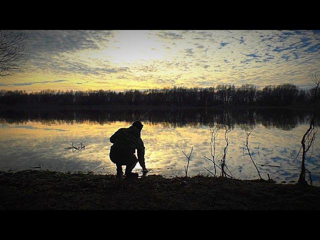 Первая рыбалка зимой на открытой воде. Тепло, туманы, пришла вода. Поиск рыбы. Рыбалка с ночёвкой. Спиннинг. Джиг. Плетеный шнур AKKOI.