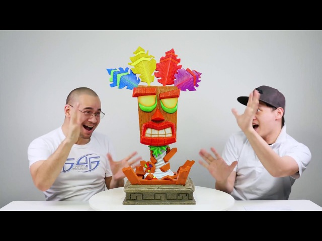 Crash Bandicoot - F4F presents The Making of Crash Bandicoot - Life Size Aku Aku Mask