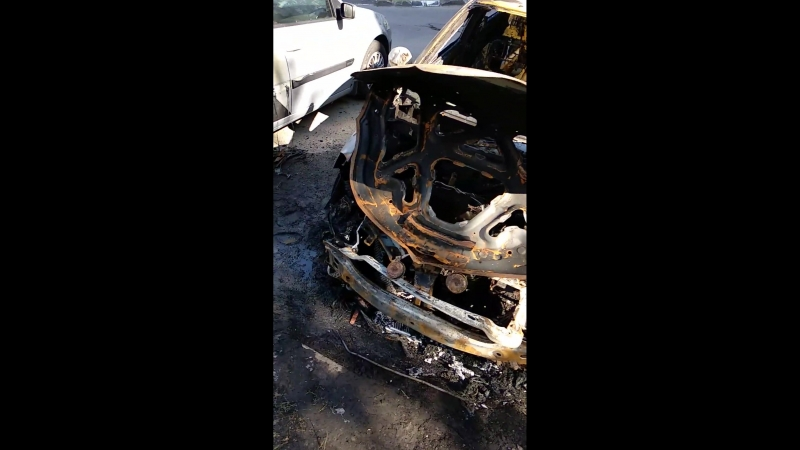 Сгоревшая машина на улице Шаландина mp4