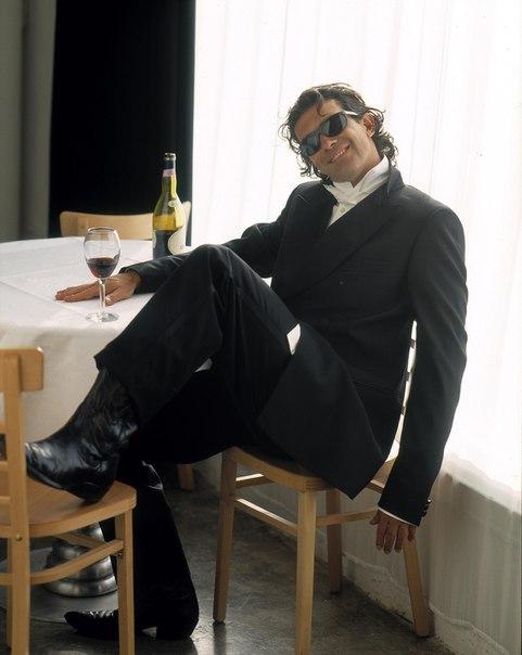 Antonio Banderas, 1995 Bob Frame