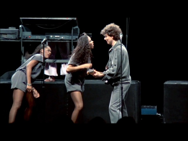 Talking Heads - Burning Down The House (Stop Making Sense Tour) Los Angeles 1993