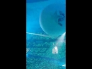 180217 тэмин на воздушном шаре аквамаринового цвета