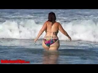 Delicious at santa monica beach in her sexy bbw bikini | pawg _ vk.com/pawgw