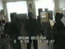 2 сентября 2004 г. Беслан. Захваченная школа №1. Руслан Аушев на переговорах с Русланом Хучбаровым и директрисой школы
