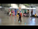 Девочка в свои 11 лет делает невероятные вещи! Как она это делает? Умница!