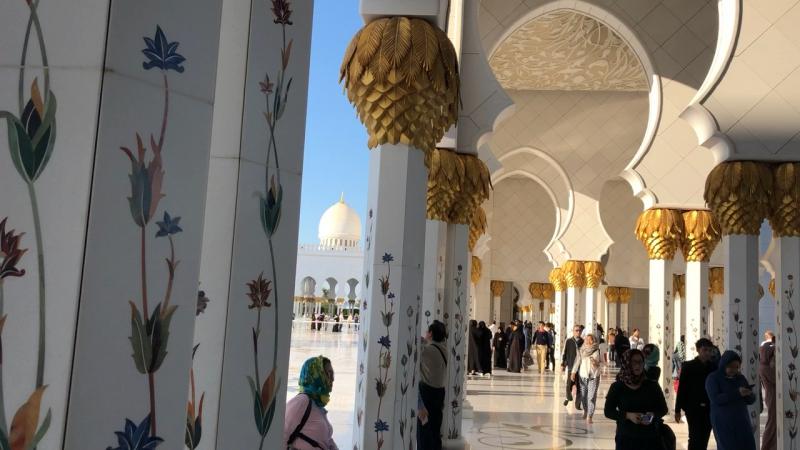 Абу- дабу мечите бахмаг