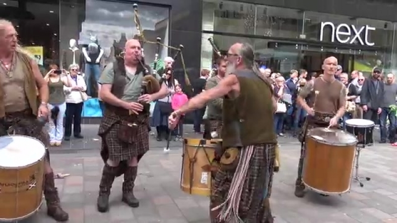 Clanadonia perform Last of the Mohicans