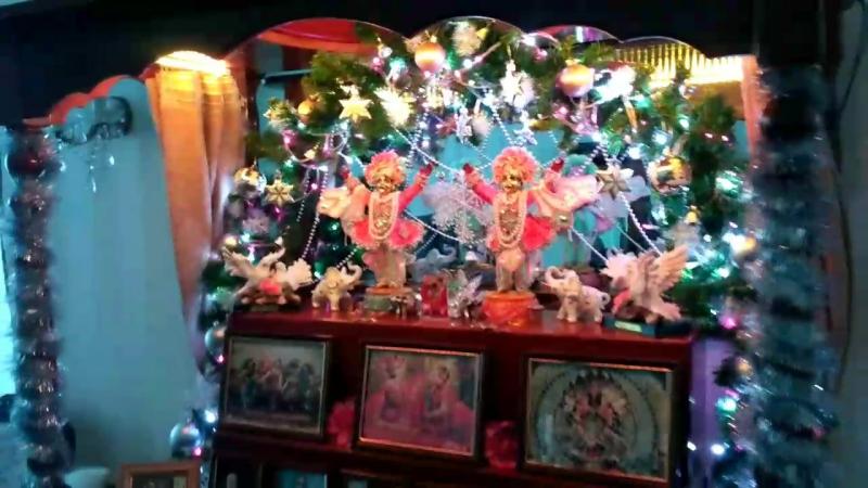 Зимний домашний алтарь от Саммохини для Шри Шри Нитай Гаура натараджа