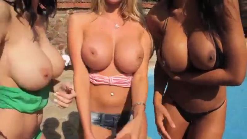 27- Видео Cara Brett заставила подружек показать сиськи