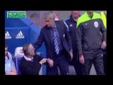 Жозе Моуриньо пытается пожать руку Полу Ламберту и Рою Кину за 2 минуты до конца матча