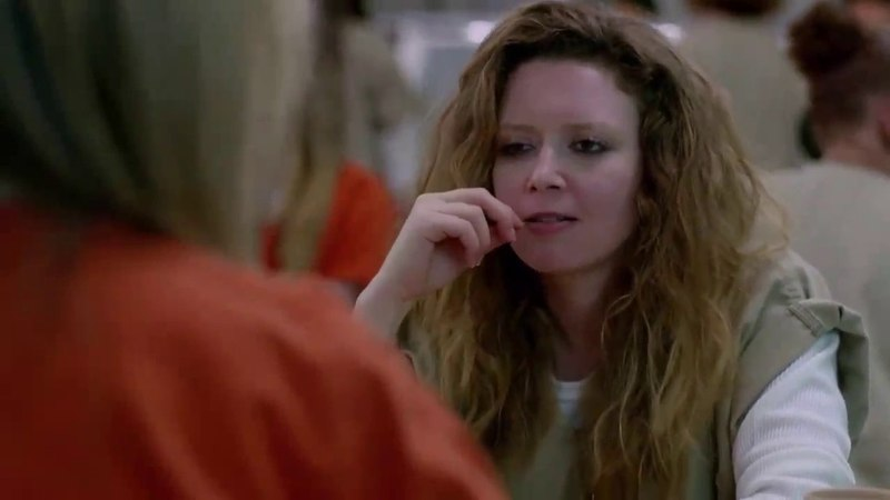 OITNB 2x03 piper and nicky snatch sisters