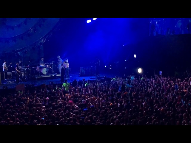 MISERY BUSINESS Live - Paramore (SSE Hydro, Glasgow - 20/01/2018)
