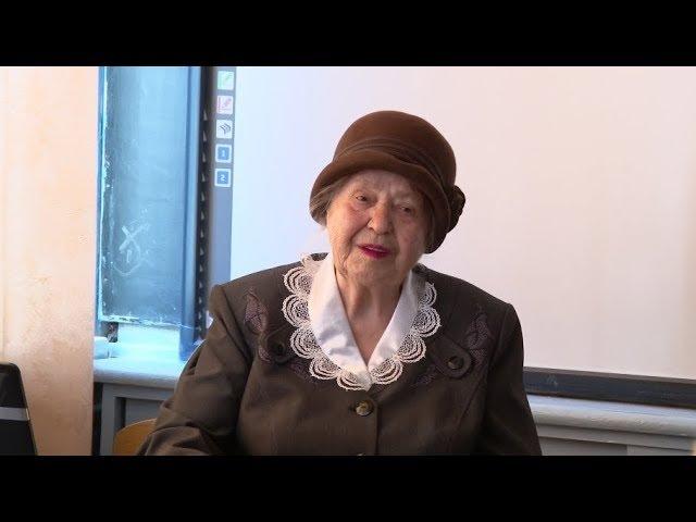 62 года педагогического стажа. Имя Анфисы Репиной занесут в Луховицкую книгу рекордов.