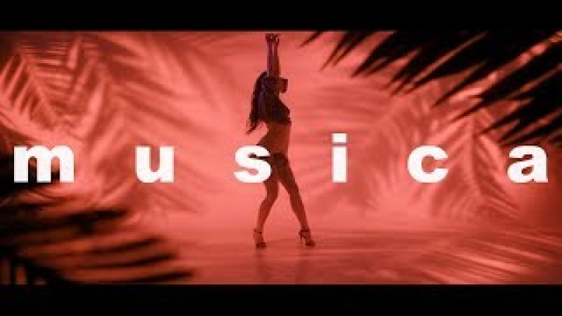 Michelle Andrade - Musica (Lyric Video)