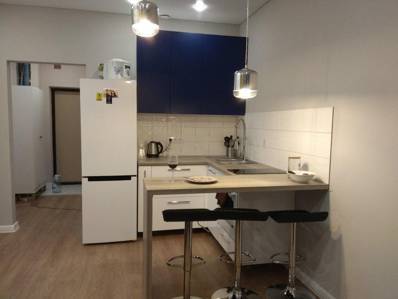 Кухня в однушке.
