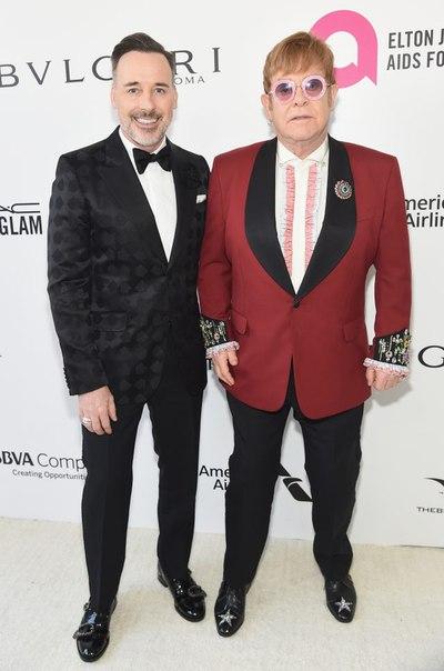 #News Майли Сайрус, Лиам Хемсворт и Рики Мартин на благотворительной вечеринке Элтона Джона после «Оскара»