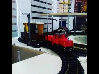 Так пьют пиво истинные железнодорожники!)