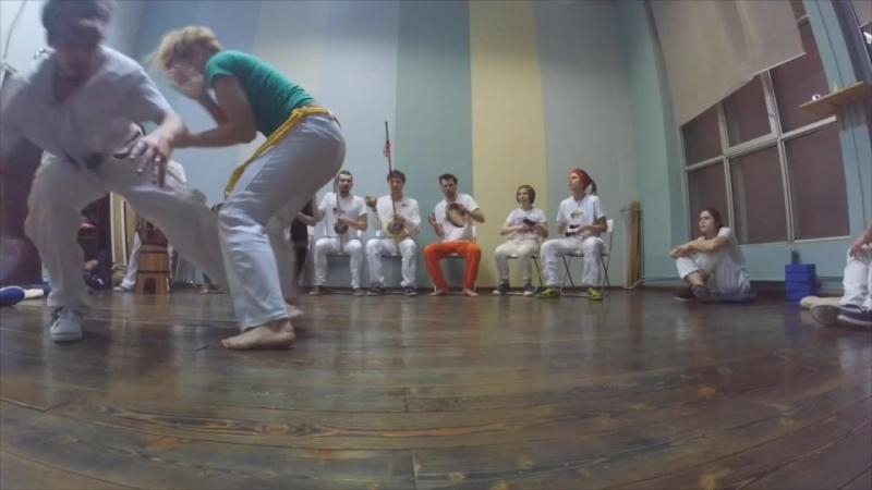 Cao Marrom e Alunos e Esquila Palmares Angola Capoeira