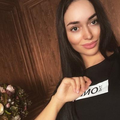 Аня Бахарева