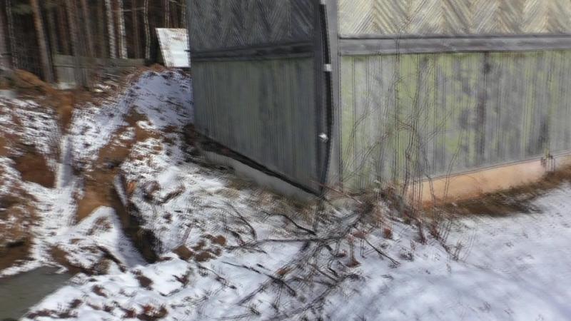 Сосед по саду 68 Березники, подкопал мне яму... прямо под моим домом для своего водостока,.. не думай о плохом еще сказал...