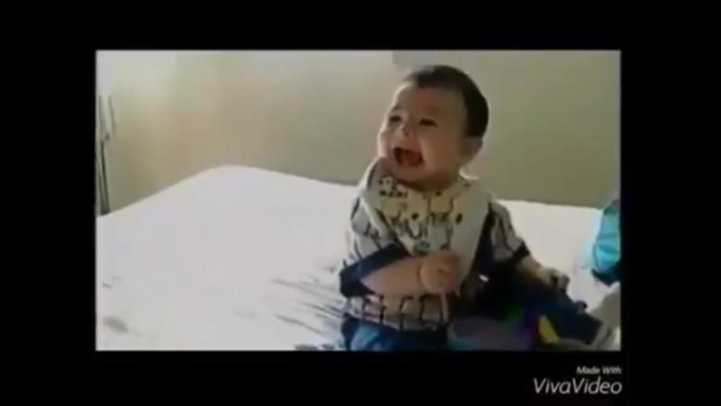 От такой пиписки даже малыш обалдел))