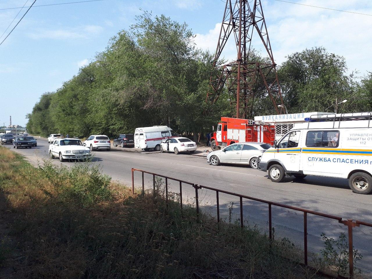 В Таганроге на улице Москатова произошло серьезное ДТП
