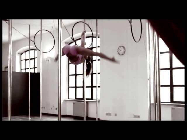 Marion Crampe at Milan Pole Dance Studio