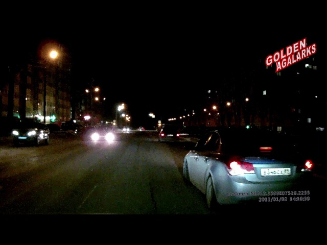 На дорогах маленького города Ноябрьск 6 Проезд на красный 11 2017 Cure Air