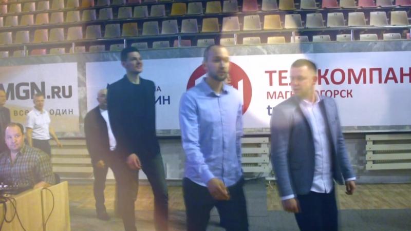 Награждение серебряных призеров Чемпионата России по баскетболу Суперлига - 2