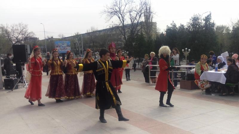 Польское этно культурное объединение Отчизна на празднование Наурыз в Когамдык Келисим. Чимкент.