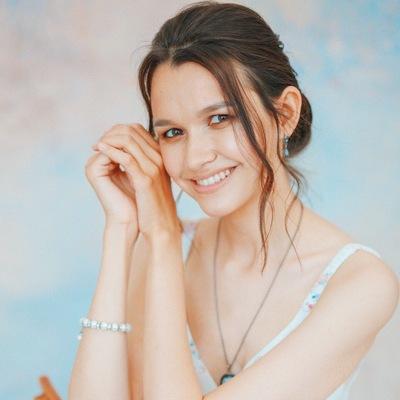 Энже Садыкова