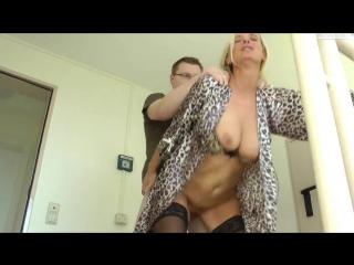 Мама в халатике порно