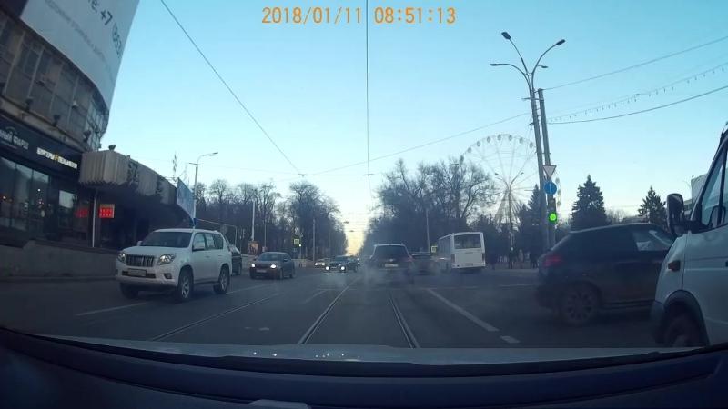 ДТП Ростов-на-Дону 11.01.2018, 8:40 Mazda 6 A600СЕ61