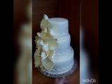 Нежный свадебный тортик для Алины и Евгения. Вес - 8,6кг. Начинка - Нежность с клубникой, бананами и ананасами. #тортывтамбове #