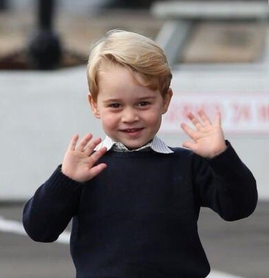Принц Джордж написал письмо Санта-Клаусу: просьба наследника британского престола умилила весь мир