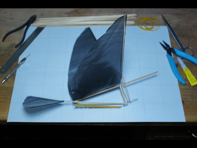 Собираем простой орнитоптер./ How to make ornithopter.
