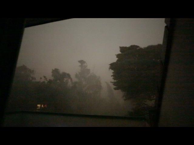 Unwetter tobt über dem Ruhrgebiet/Essen | Weltuntergang
