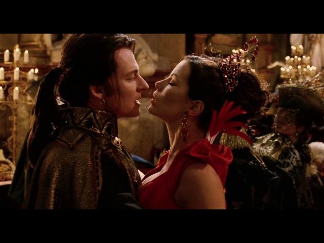 Граф Дракула танцует с Анной на балу. Ван Хельсинг спасает Анну. HD