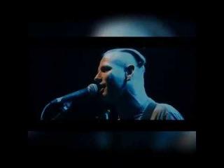 Кори Тэйлор (солист Slipknot) поет тему из заставки Спанчбоба.