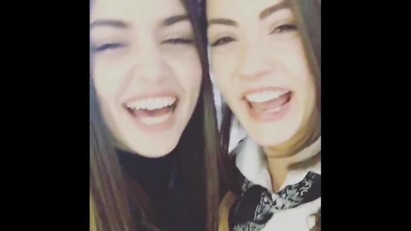 Двойняшки Йылмаз Назлы Селин (Дочери Гюнеш) (720p).mp4
