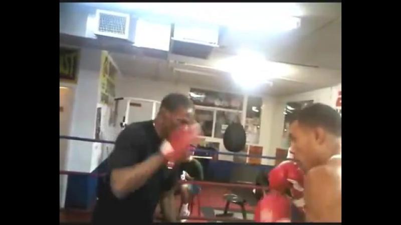Floyd Mayweather Training Chris Eubank Jr (Amazing Padwork)