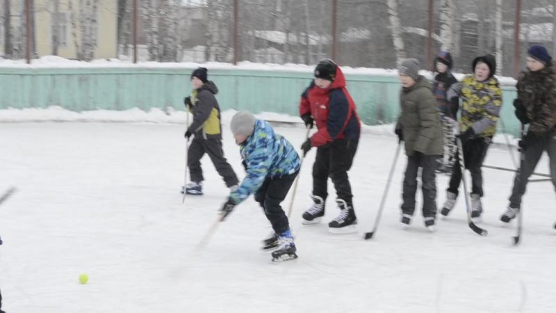 Занятие хоккейной секции в Красноборске (видео ИД Знамя)