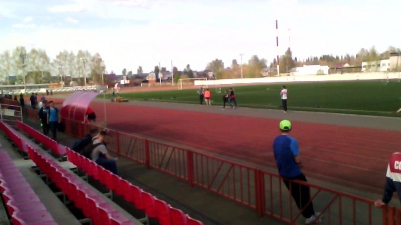 400 метров- девушки, забег победителя Кабалиной А. (гимназия)